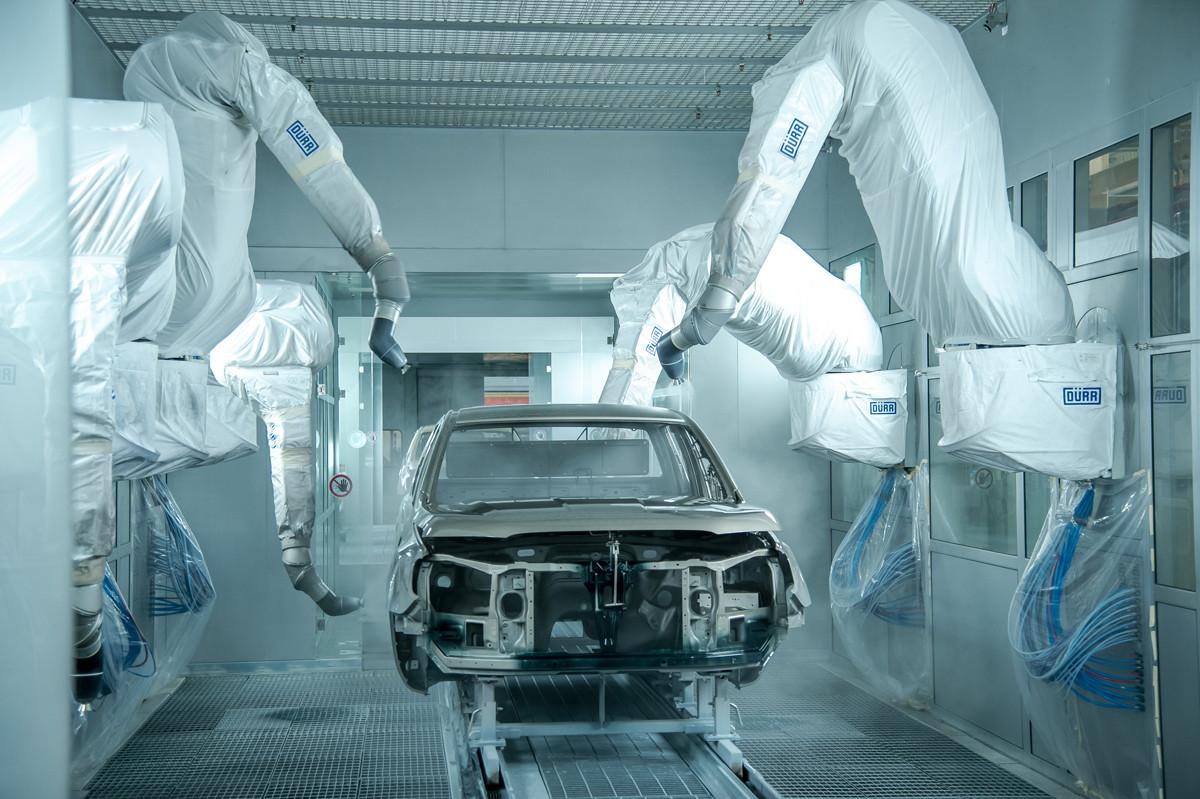 Công nghệ sơn trên Ford Ranger mang đến lớp nước sơn có độ bền cao và khả năng hạn chế các vết xước