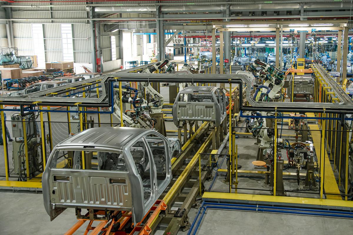 Ford Ranger trên dây chuyền sản xuất