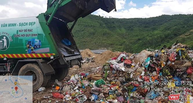 Sở TN&MT Đà Nẵng nói gì về vụ đổ rác sinh hoạt lẫn đồ bảo hộ phòng dịch COVID-19 ở bãi rác Khánh Sơn ảnh 1