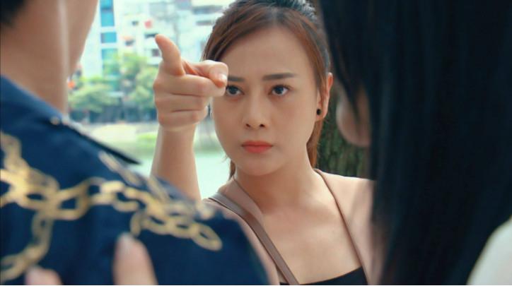 Không ai 'dại' như Thiên Nga trong 'Hương vị tình thân': Yêu soái ca nhà giàu vẫn thích 'bay lắc'!