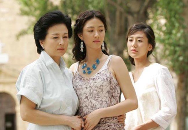 3 bà chị chồng lần lượt ly hôn dọn đến nhà tôi ở, một quyết định của mẹ chồng, cả nhà nồi niêu bát đĩa vỡ hết-1