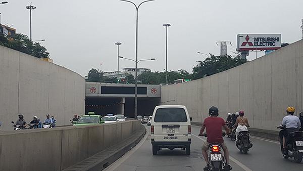 Cấm xe qua hầm Kim Liên 30 ngày để sửa chữa
