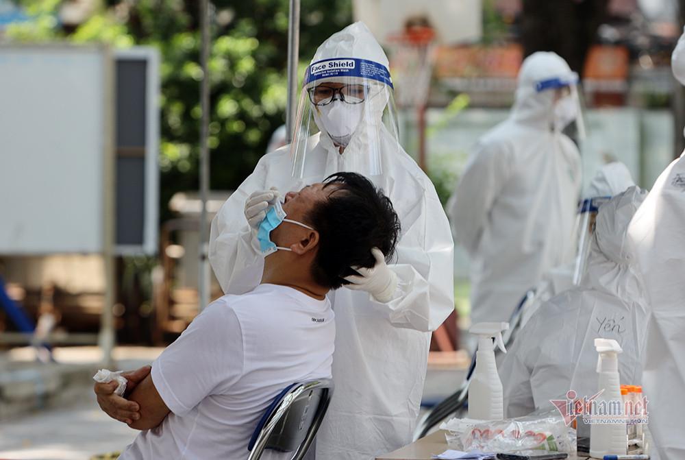 30.000 người ở Hà Nội được xét nghiệm miễn phí để sàng lọc Covid-19