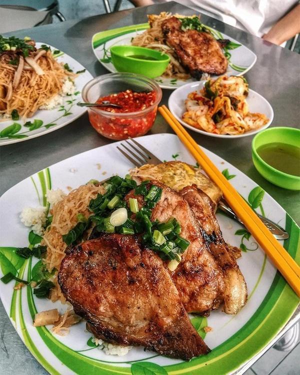 Cuộc chiến gây tranh cãi: Phở hay cơm tấm mới xứng đáng là món ăn đại diện Việt Nam?-2