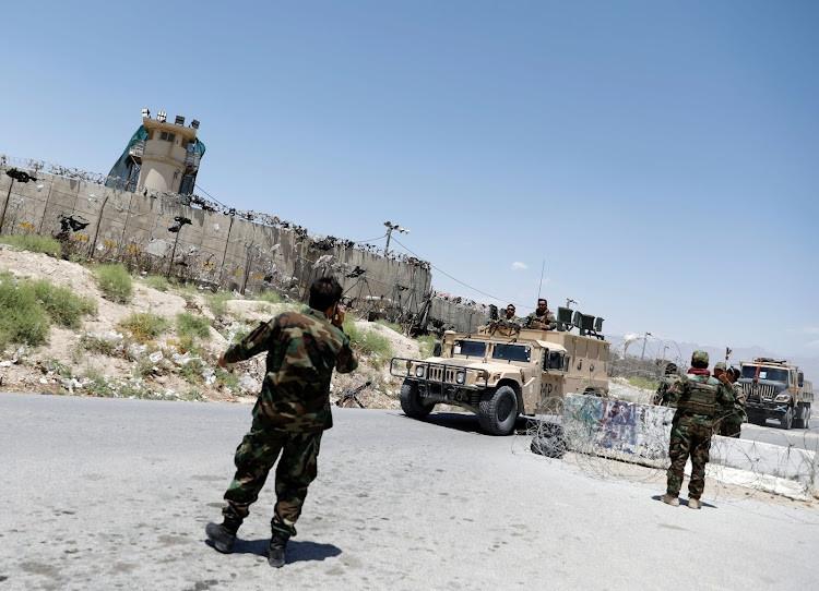 Quân đội Afghanistan giành lại khu vực bị Taliban chiếm đóng