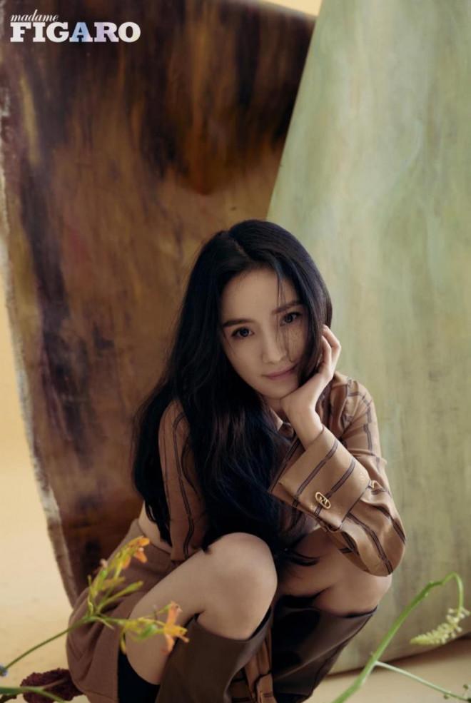 """Dương Mịch xinh đẹp dịu dàng như """"thần tiên tỷ tỷ"""" trong loạt ảnh tạp chí mới - 7"""