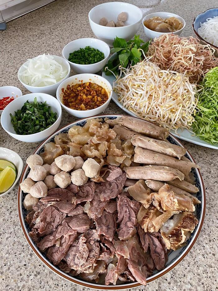 Khám phá mùa dịch: Tóc Tiên, Hà Tăng, Lan Khuê mặc đẹp nhưng tài nấu ăn mới đáng nể - 3