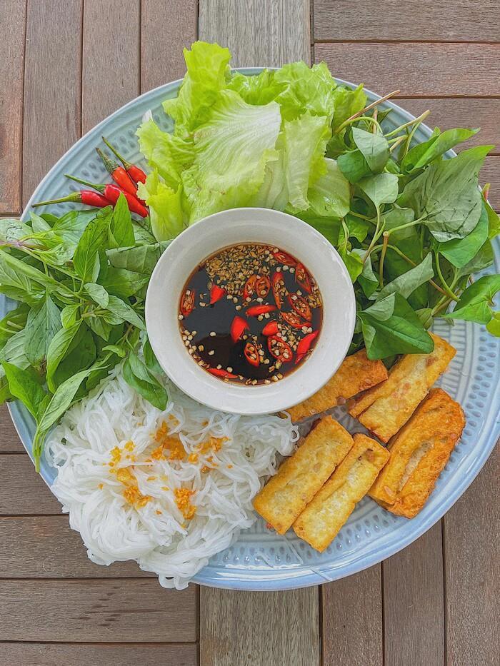 Khám phá mùa dịch: Tóc Tiên, Hà Tăng, Lan Khuê mặc đẹp nhưng tài nấu ăn mới đáng nể - 11