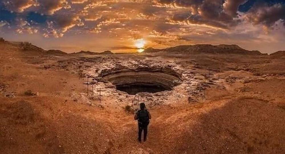 Giếng bí ẩn nghìn năm bốc mùi lạ mà nhân loại chưa thể chạm đáy - Ảnh 2.