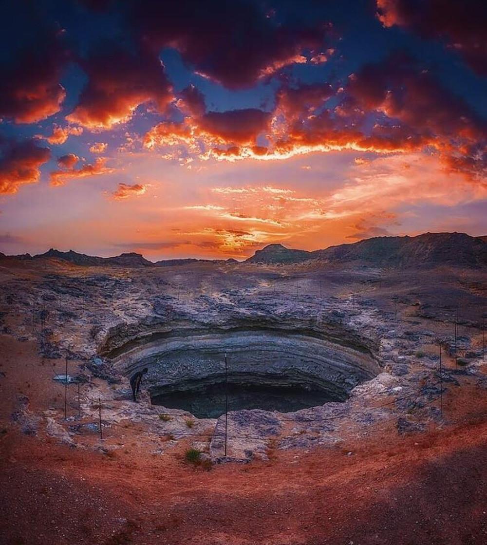 Giếng bí ẩn nghìn năm bốc mùi lạ mà nhân loại chưa thể chạm đáy - Ảnh 6.
