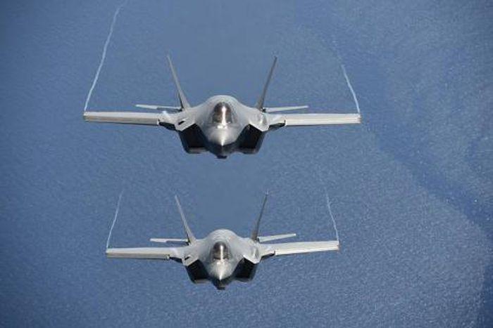 Tiêm kích F-35 chặn máy bay tác chiến điện tử đối phương dễ dàng