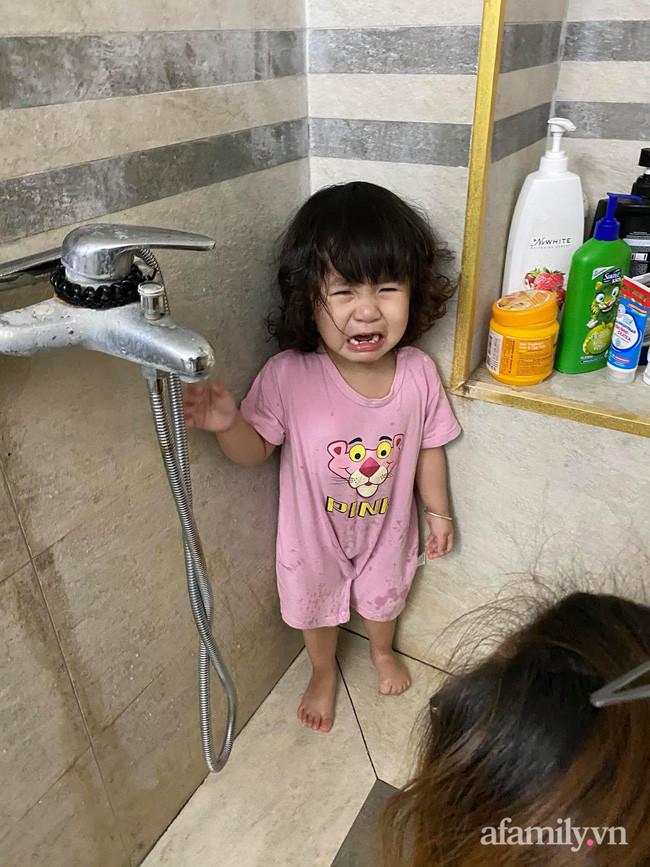 Cười mệt với màn bóc phốt của mẹ trẻ khi ở nhà mùa dịch với con, tình hình các mẹ sao rồi?-3