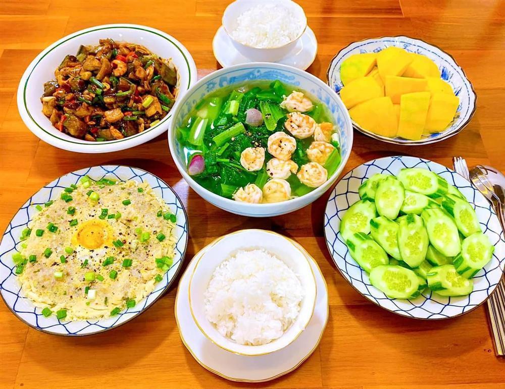 Gái đảm gợi ý 8 mâm cơm mùa dịch, có gì nấu đó mà ngon xuất sắc-3
