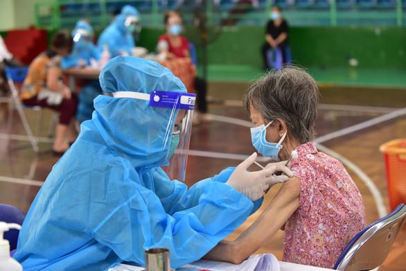 Vì sao quận 11 tiêm vắc xin COVID-19 nhanh nhất TP.HCM? - 3