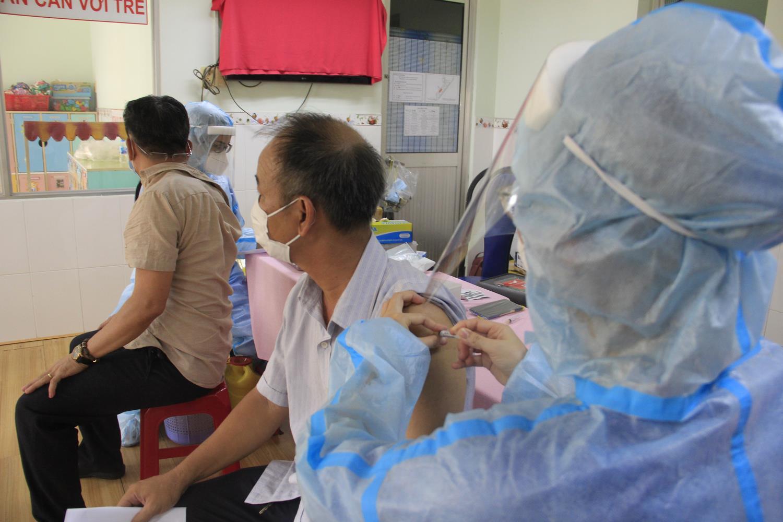 Bộ trưởng Y tế: Phải tiết kiệm nhân lực vì cuộc chiến với dịch bệnh còn dài - 2