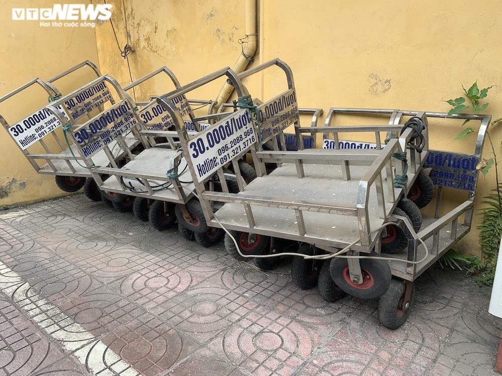 Ảnh: Dịch vụ trong ga tàu Hà Nội 'đóng băng', chết đứng giữa mùa dịch - 6