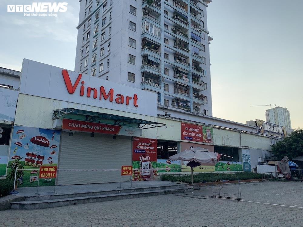 Sau sự cố liên quan ca F0, khách vẫn mua sắm đông đúc tại chuỗi siêu thị Vinmart - 2