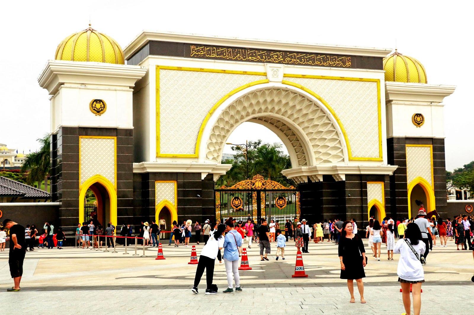 Ở nhà mùa dịch: Nhớ những ngày dạo quanh hè phố Kuala Lumpur - 6