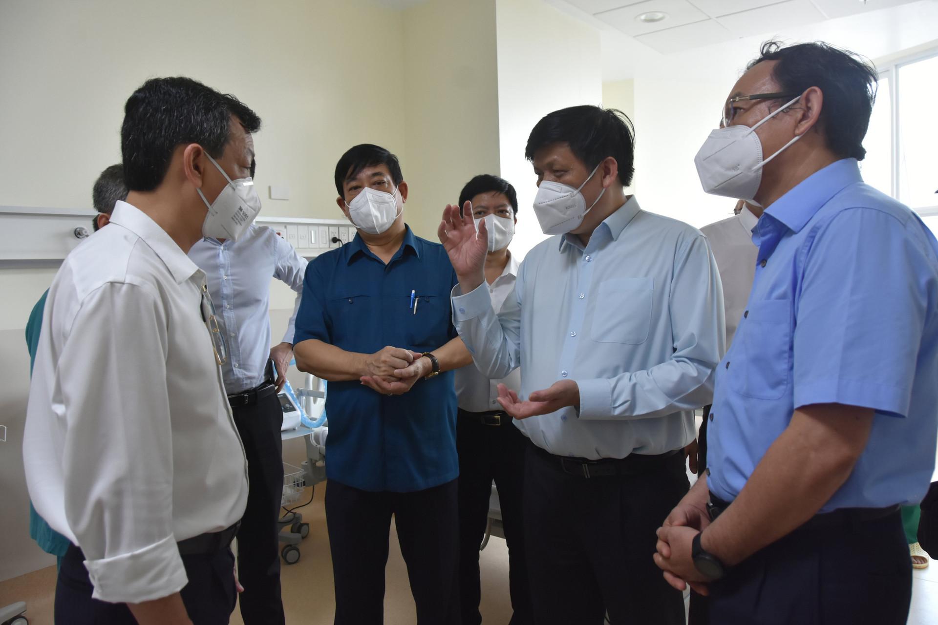 Khẩn trương tiếp nhận bệnh nhân tại 4 Trung tâm hồi sức tích cực COVID-19 ở TP Hồ Chí Minh - Ảnh 9.