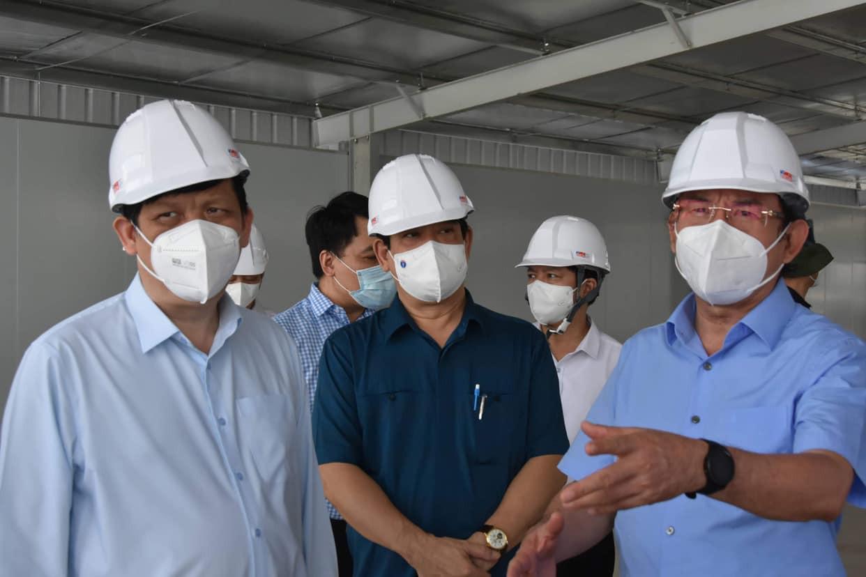 Khẩn trương tiếp nhận bệnh nhân tại 4 Trung tâm hồi sức tích cực COVID-19 ở TP Hồ Chí Minh - Ảnh 1.
