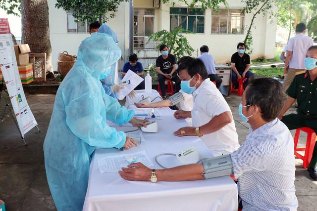 Chiến dịch tiêm 1 triệu liều vắc xin ngừa COVID-19 ở Bình Dương - Ảnh 1.