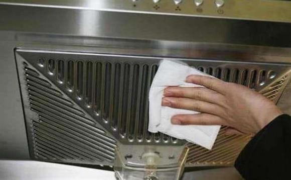 Không cần tháo máy hút mùi của bếp nếu bị bẩn, hãy làm sạch nó bằng mẹo này-2