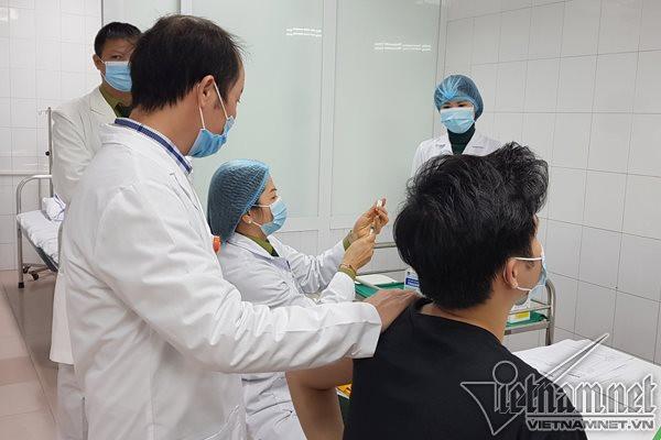 viet-nam-tiem-vac-xin-nanocovax-mui-2-cho-17-nguoi.jpg