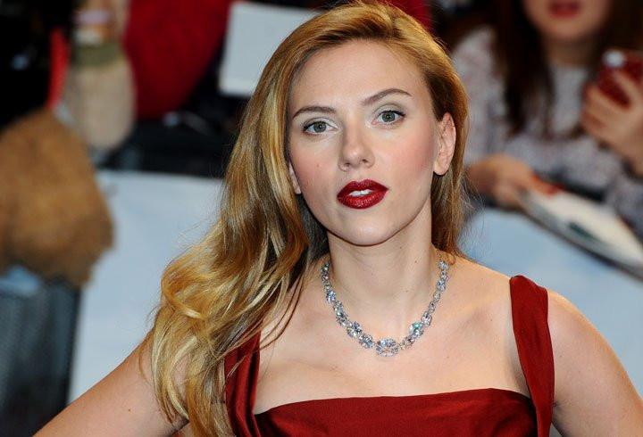 Thân hình sexy như tạc tượng của Scarlett Johansson