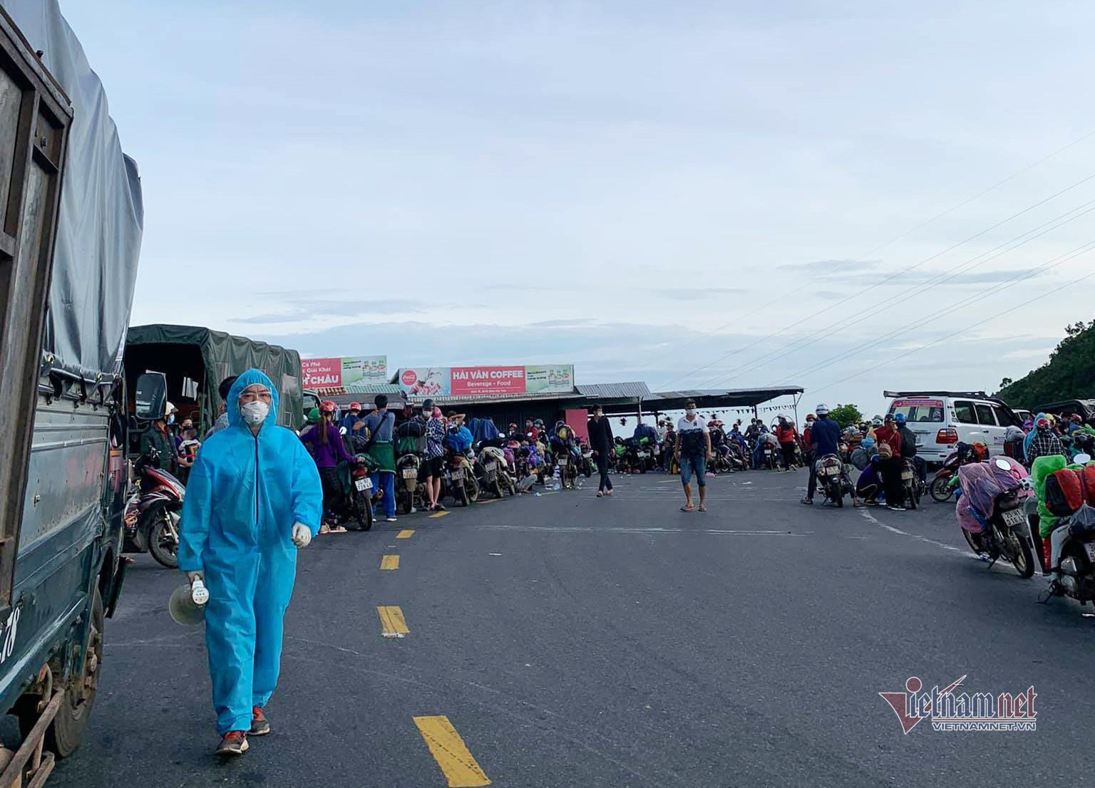 Không còn cảnh những đoàn người đi xe máy về quê sau Công điện của Thủ tướng