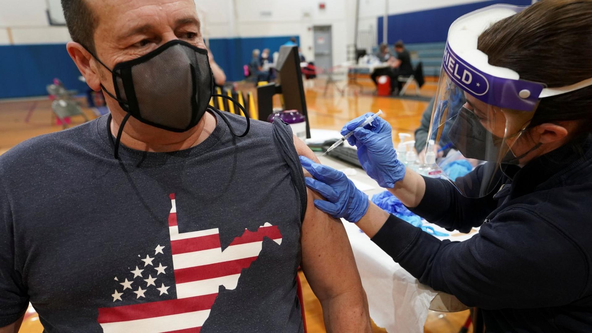 Xét theo quốc gia, Mỹ vẫn là nước bị ảnh hưởng nhất thế giới với số ca nhiễm và tử vong cao nhất, lần lượt là 35.743.293 ca và 629.314 ca. (Nguồn: Reuters)