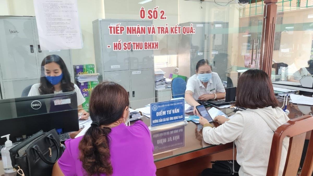 Nhiều người lao động được thụ thưởng chính sách hỗ trợ về BHXH trong mùa dịch - 1