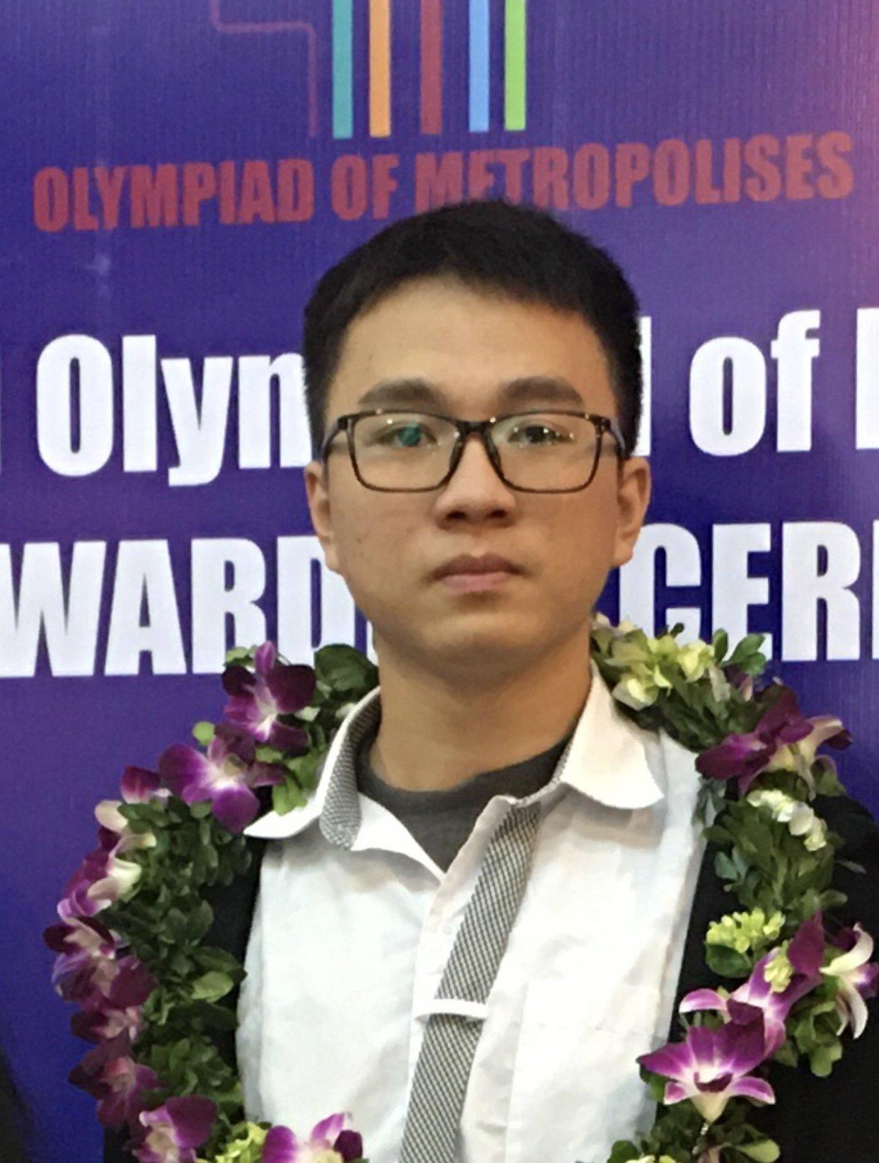 10X giành cú đúp huy chương Vàng Olympic Vật lý muốn thành nhà thiên văn học - 1