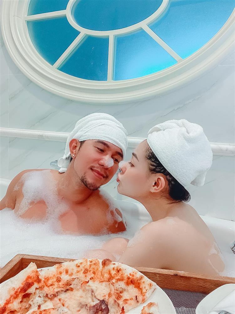 Ngân 98 - Lương Bằng Quang ghiền đăng ảnh giường chiếu, tắm táp-12