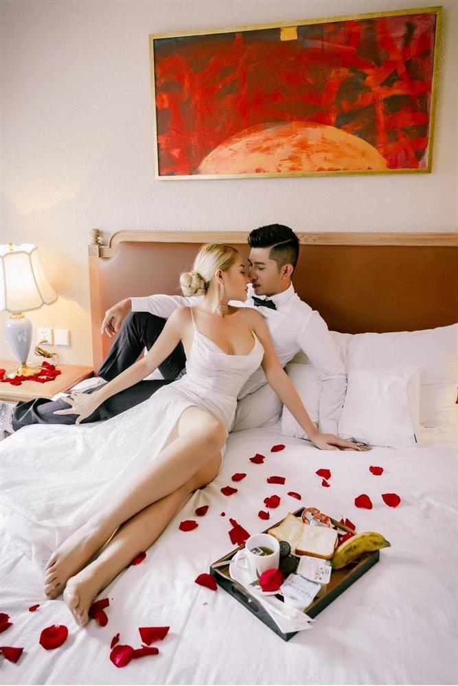 Ngân 98 - Lương Bằng Quang ghiền đăng ảnh giường chiếu, tắm táp-13