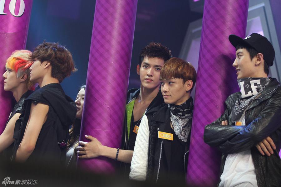 EXO ngồi không cũng dính đạn chỉ vì scandal của Ngô Diệc Phàm-5