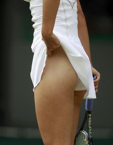 Trang phục tennis đẹp nhưng dễ hớ hênh nhất trong các môn thi Olympic? - 6