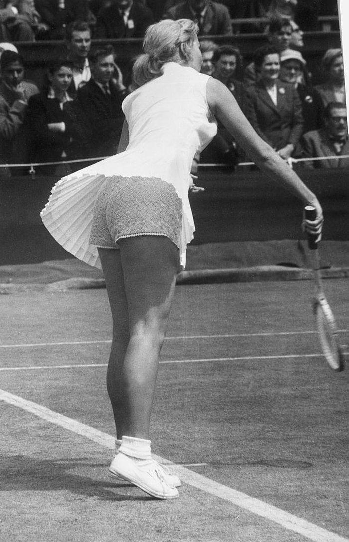 Trang phục tennis đẹp nhưng dễ hớ hênh nhất trong các môn thi Olympic? - 10