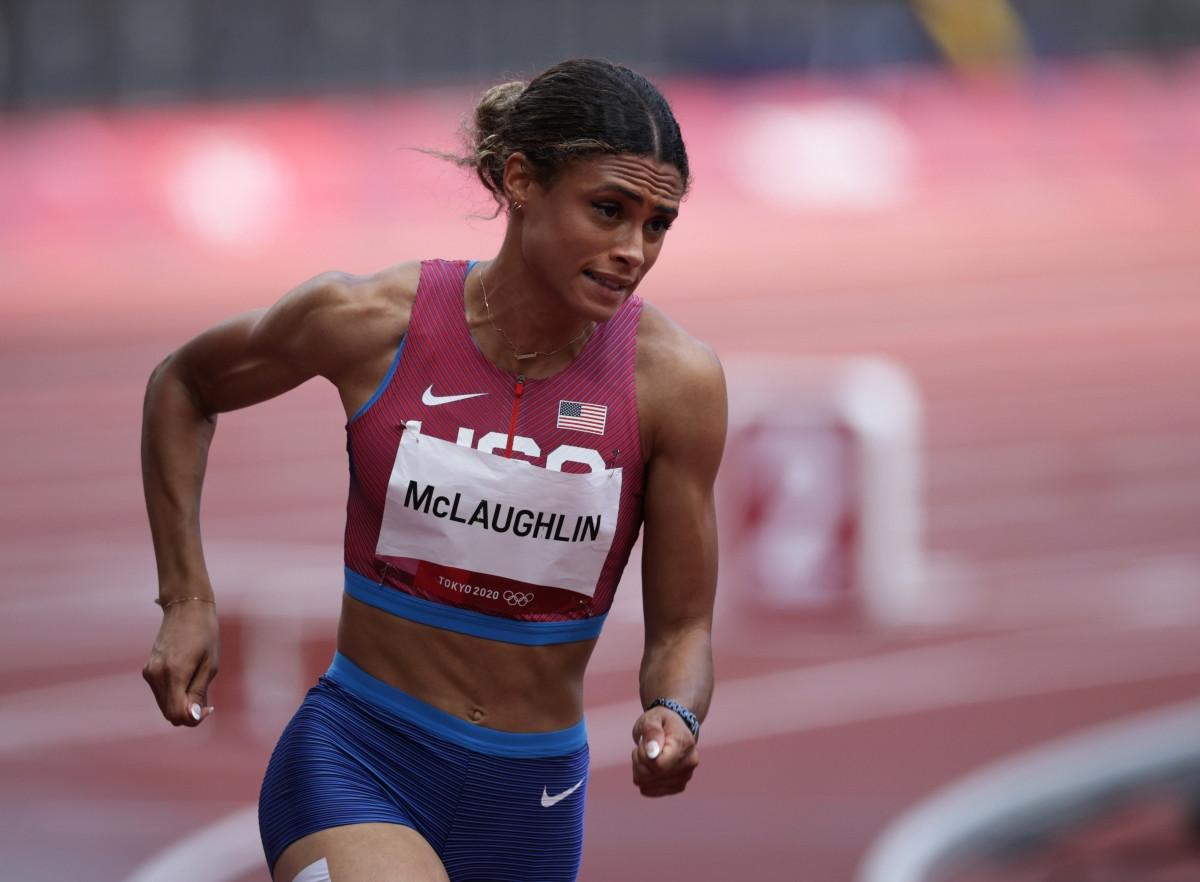 Sydney McLaughlin giành HCV và phá kỷ lục thế giới ở nội dung 400m vượt rào nữ (Ảnh: Reuters).