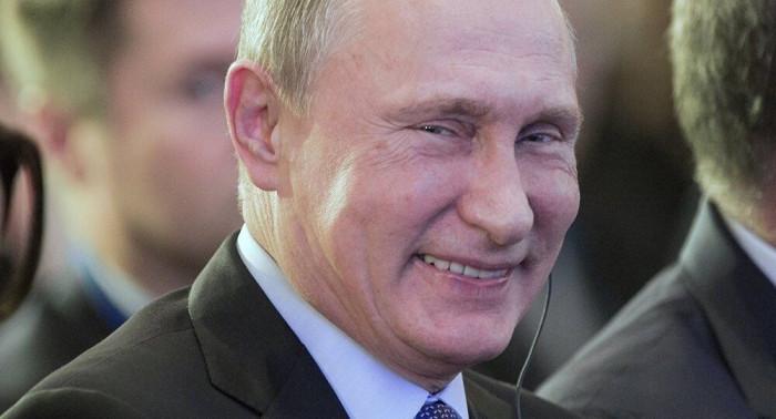 Bloomberg: Ông Putin đã thu về
