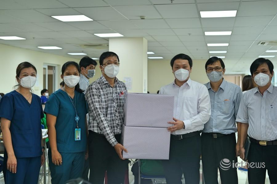 Thứ trưởng Nguyễn Huy Dũng: 'Có thể nhân rộng mô hình tổng đài dã chiến cấp cứu 115'