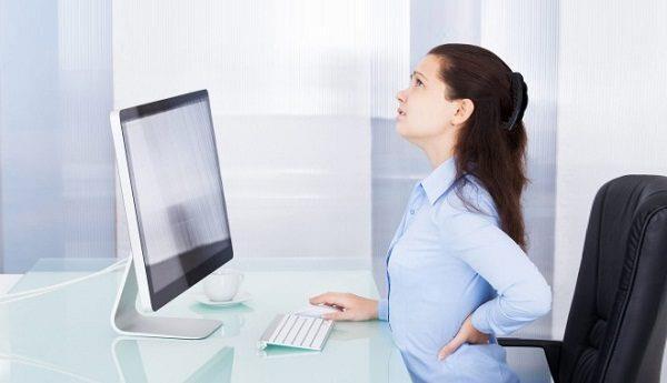 Phụ nữ dùng ống hút thường xuyên sẽ nhanh già, nhăn khóe miệng - 2