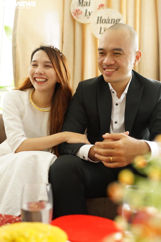 Cưới online giữa mùa dịch, họ hàng đôi bên chúc phúc qua màn hình - 3