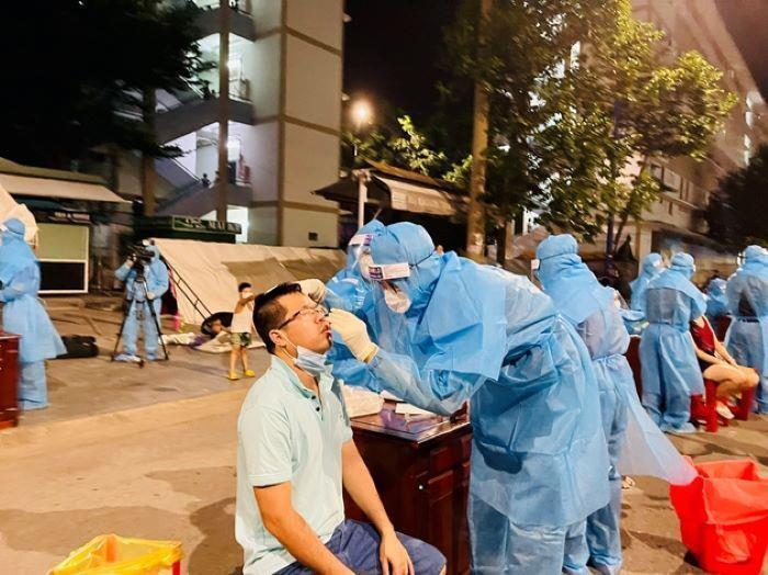 Bình Dương đề nghị Bộ Y tế hỗ trợ thành lập Bệnh viện Hồi sức cấp cứu COVID-19  - 1