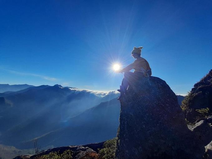 10 đỉnh núi cao nhất Việt Nam hút giới xê dịch - 10
