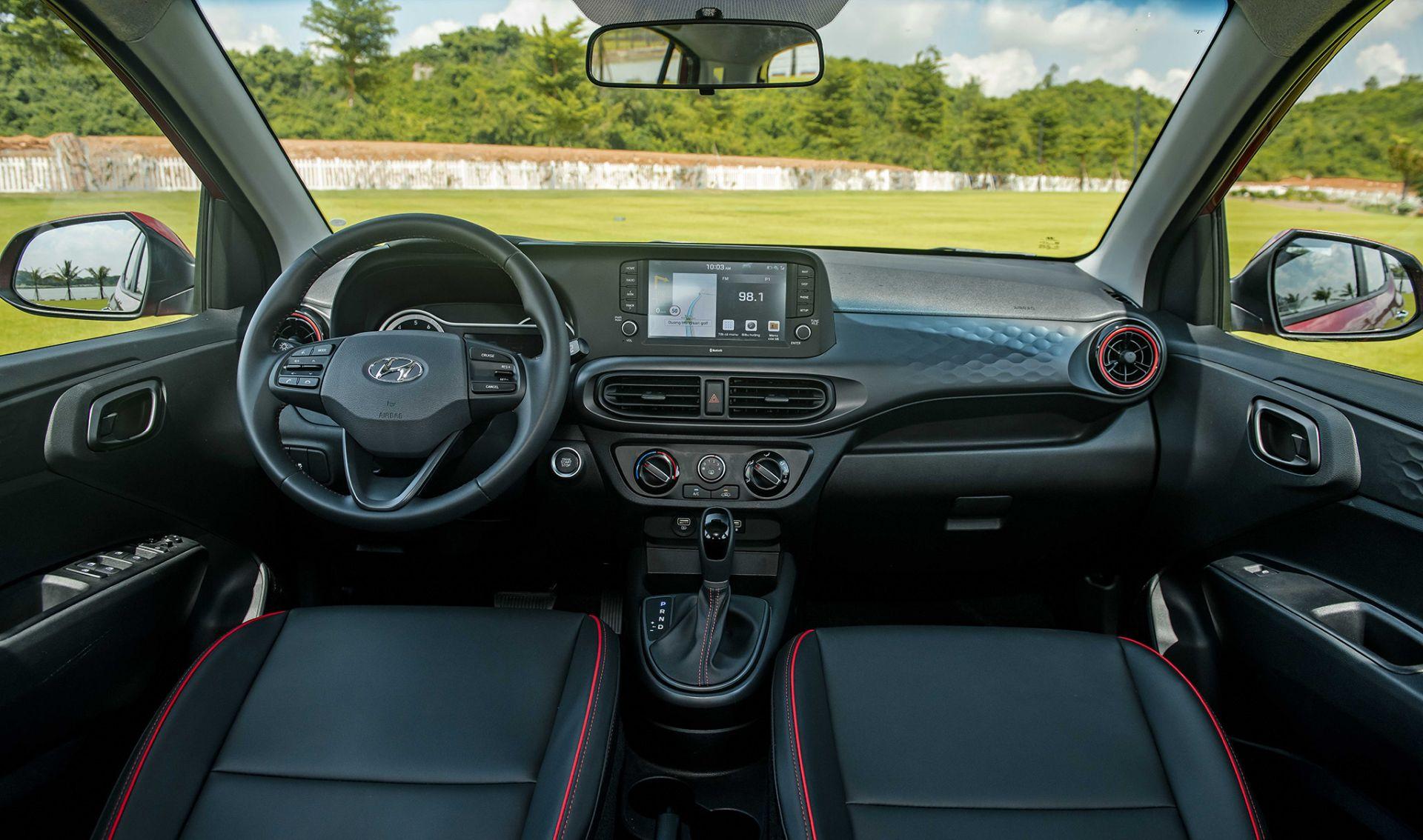 Hàng ghế trước của Hyundai Grand i10 2021