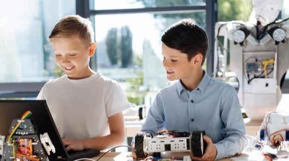 """Các bé trai có 3 khuyết điểm"""" này từ nhỏ, hầu hết đều thông minh và rất có triển vọng trong tương lai-2"""