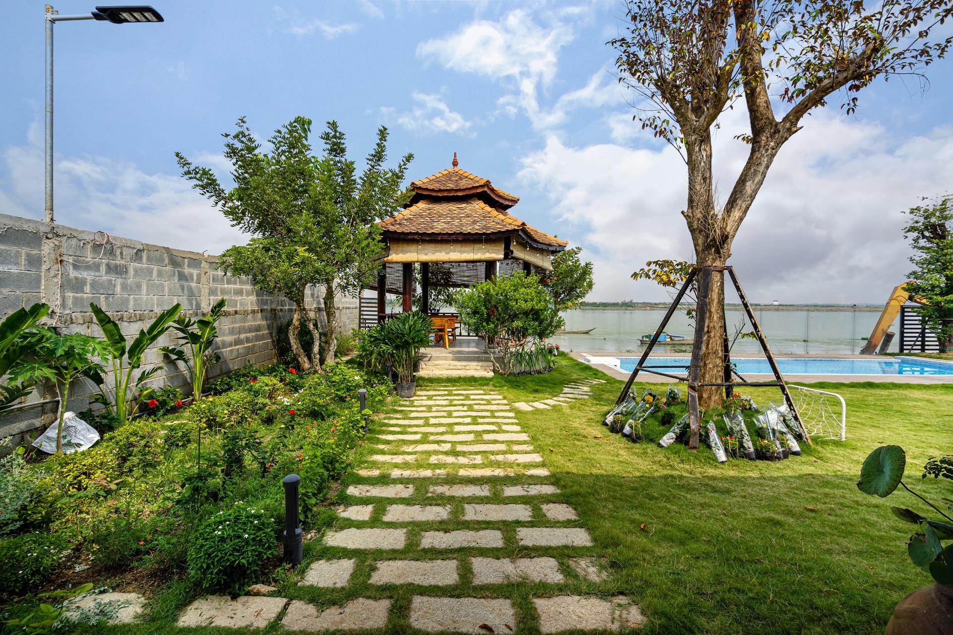 Xây nhà vườn có bể bơi né dịch, chàng trai tự thiết kế rẻ và đẹp lung linh - 5