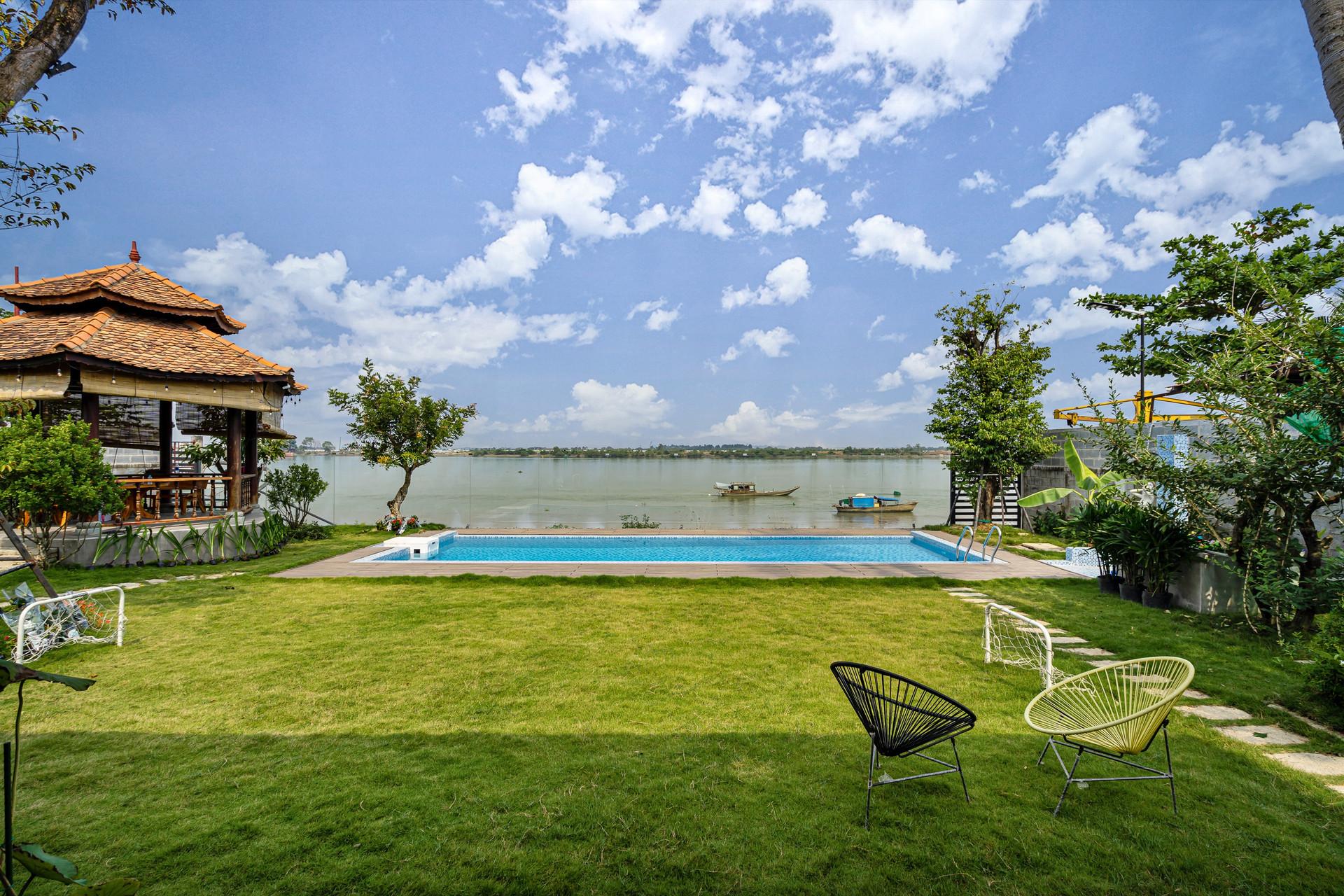 Xây nhà vườn có bể bơi né dịch, chàng trai tự thiết kế rẻ và đẹp lung linh - 15