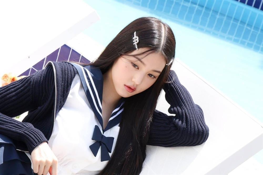 Jennie BLACKPINK kém sắc khi diện áo thủy thủ đụng độ sao Hoa ngữ-5