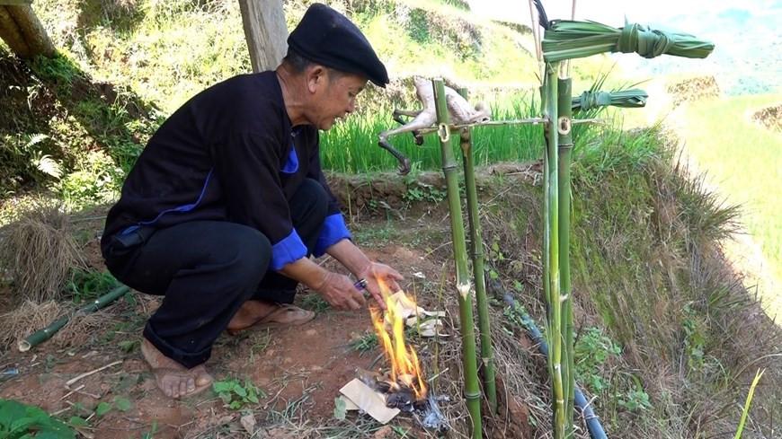 Yên Bái: Độc đáo lễ cúng ruộng của người Mông ở Mù Cang Chải - 5